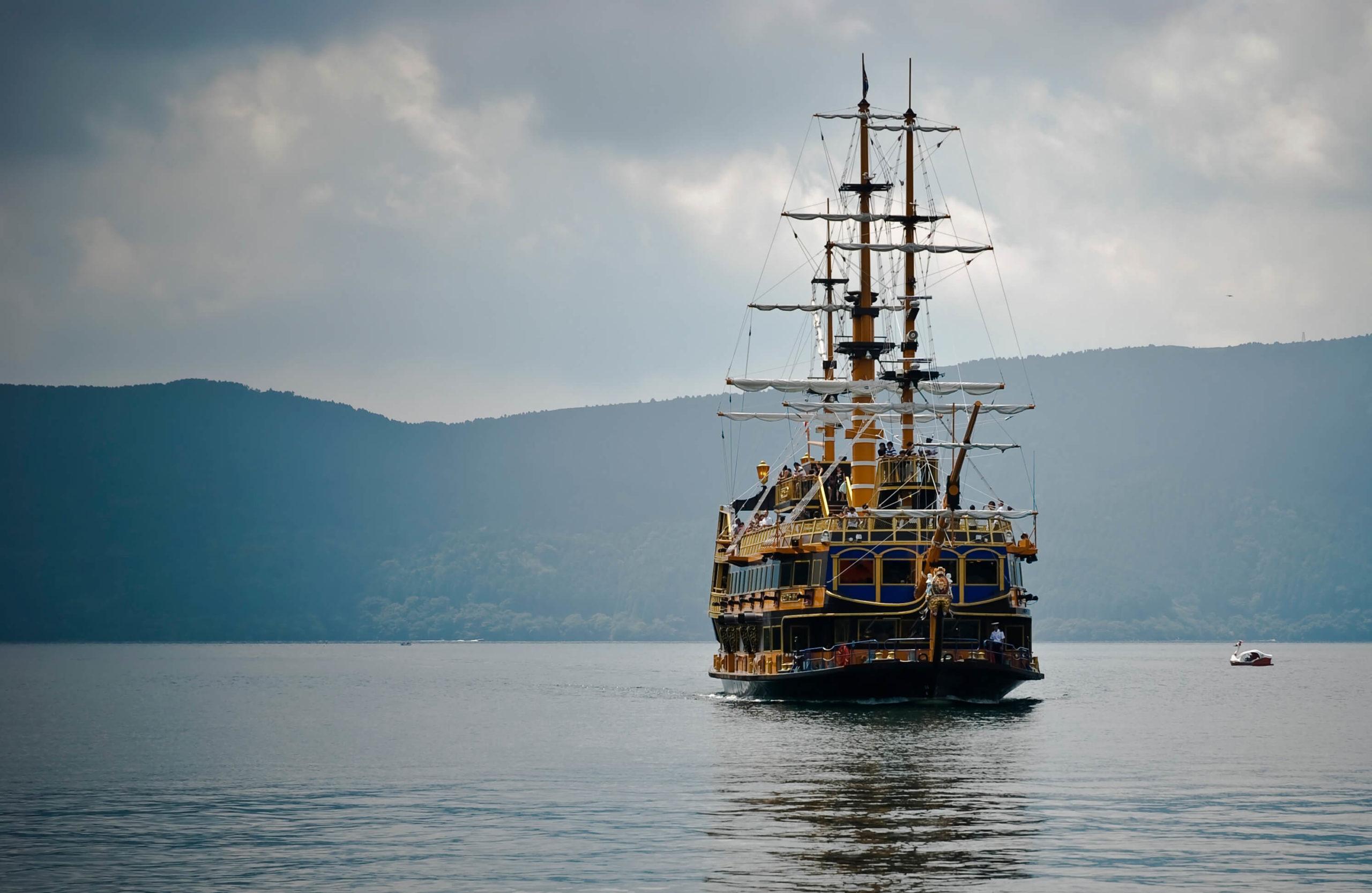 pirate ship in Hakone