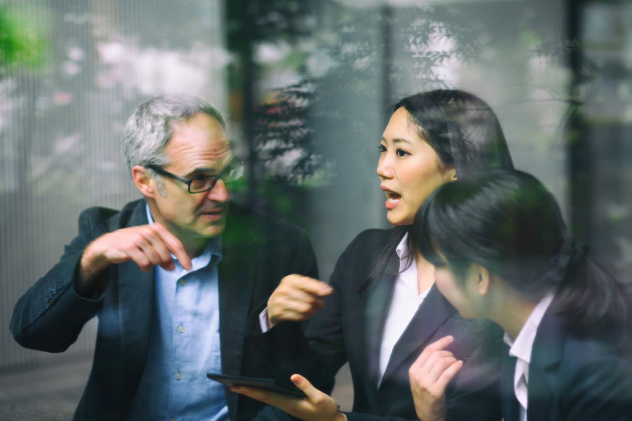 BUILDING A HYBRID CULTURE – AMERICANS AND JAPANESE WORKING TOGETHER