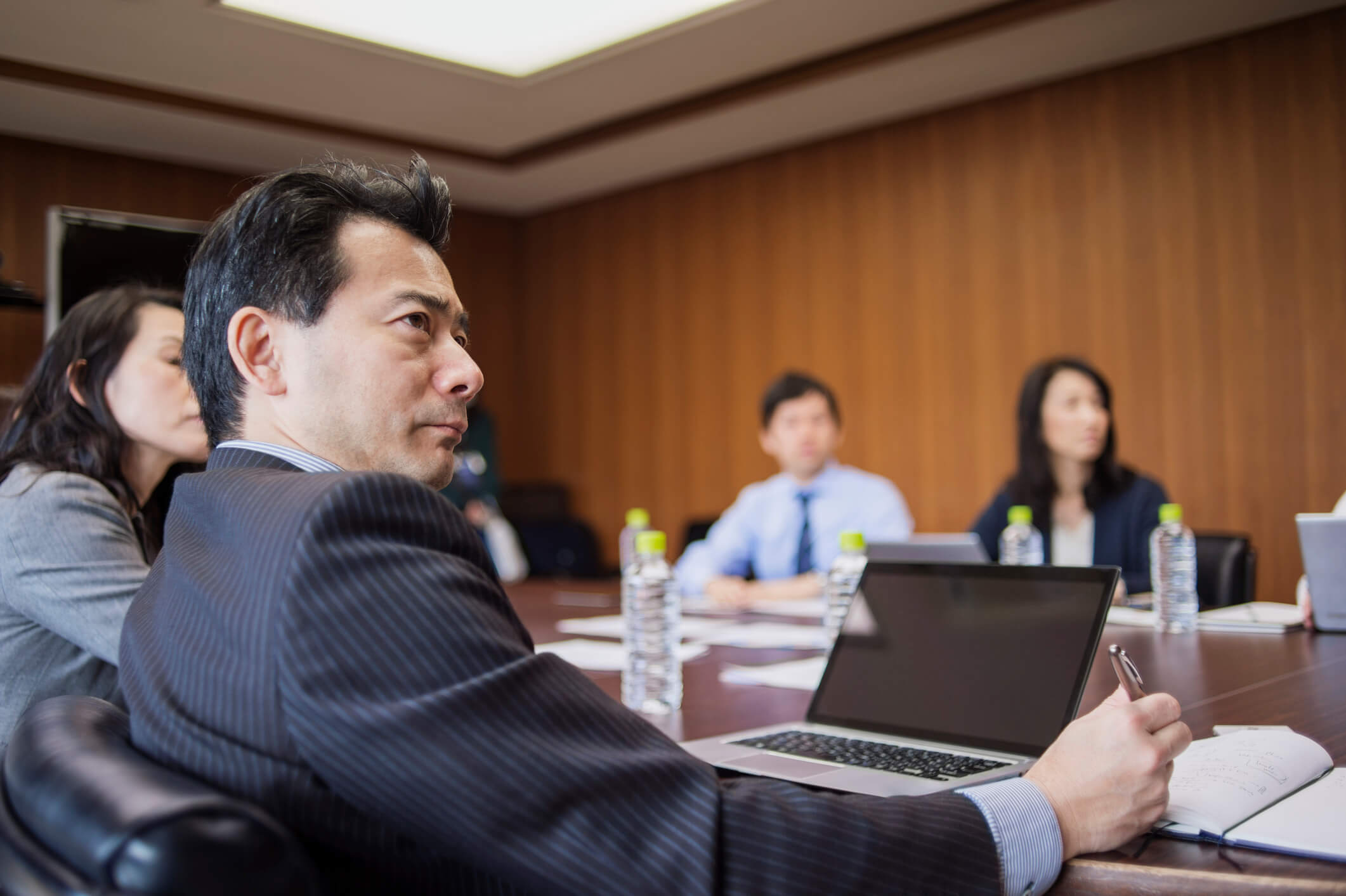 UNDERSTANDING AND INFLUENCING DECISION MAKERS IN A JAPANESE COMPANY